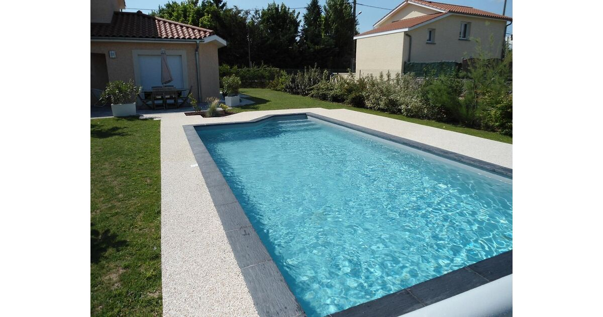Piscine piegay environnement saint didier sous riverie for Construction piscine zone a