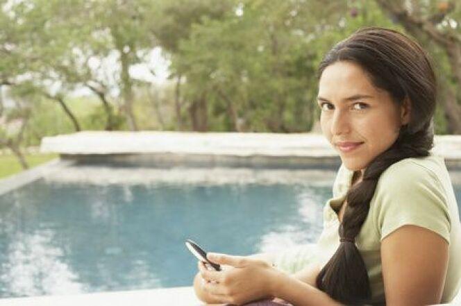 """Piloter sa piscine à partir de son téléphone mobile<span class=""""normal italic petit"""">© bst2012 - Fotolia.com.</span>"""