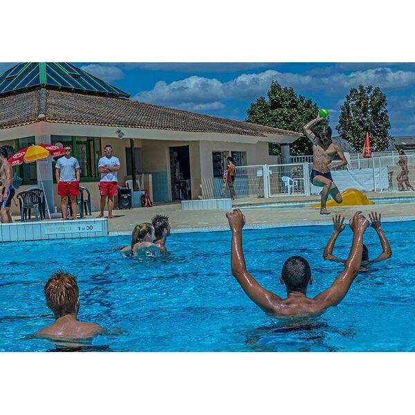 Piscine aulnay de saintonge horaires tarifs et photos for Club piscine pompaples horaire