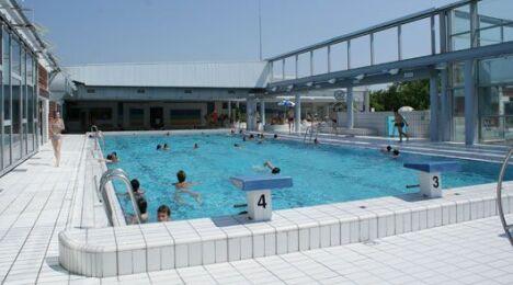 """Piscine à Avoine : le bassin se découvre en été<span class=""""normal italic petit"""">DR</span>"""