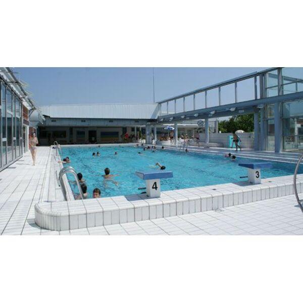 Piscine azay le rideau 28 images r 233 sidence jardins for Rideau piscine