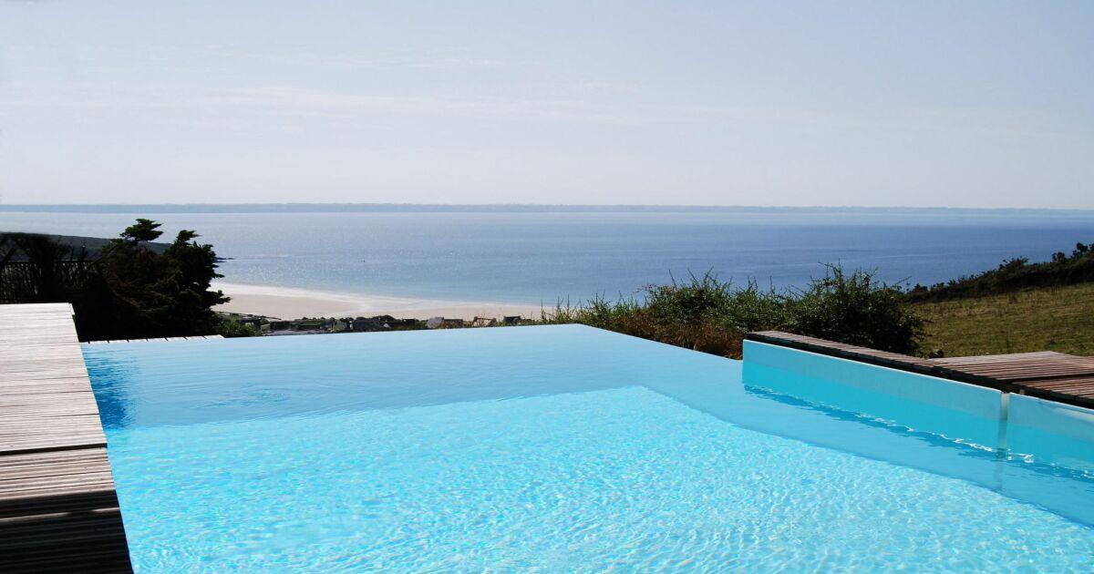 Piscines d bordement avec vue d gag e sur mer ou for Caen la mer piscine