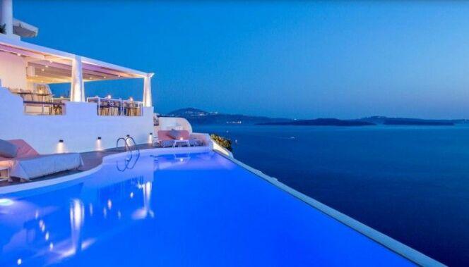 les 10 plus belles piscines d 39 h tels dans le monde piscine d bordement avec vue sur mer. Black Bedroom Furniture Sets. Home Design Ideas