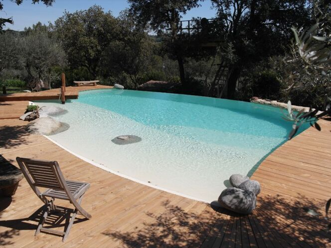 Belle piscine ronde b ton de r ve for Construire sa piscine en beton