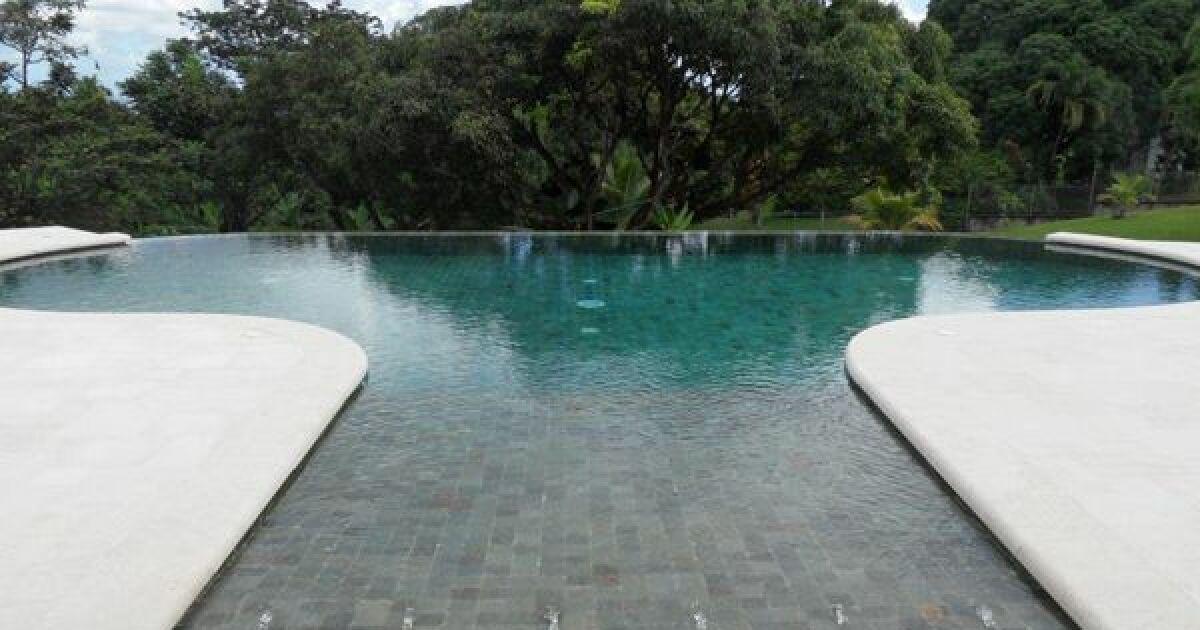 les plus belles piscines avec de la mosa que piscine d bordement photo 7. Black Bedroom Furniture Sets. Home Design Ideas