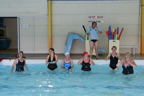"""Les cours d'aquagym à la piscine à Deville les Rouen<span class=""""normal italic petit"""">DR</span>"""