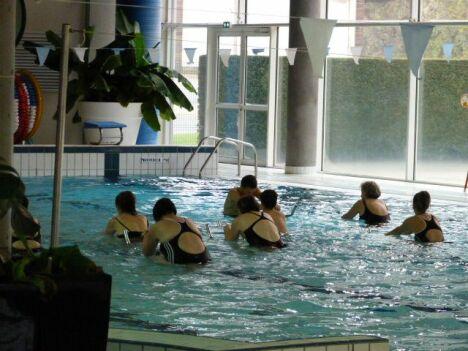 """Piscine à Dunières : les cours d'aquabike<span class=""""normal italic petit"""">DR</span>"""