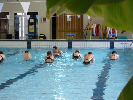 """L'aquabiking à la piscine de Dunières<span class=""""normal italic petit"""">DR</span>"""