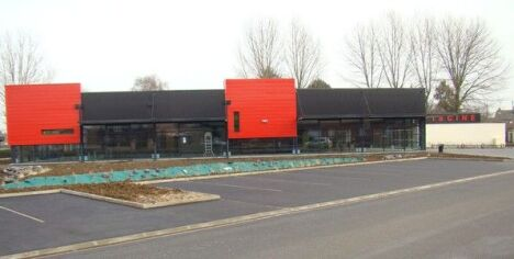 """Le bâtiment de la piscine à Escaudain<span class=""""normal italic petit"""">DR</span>"""