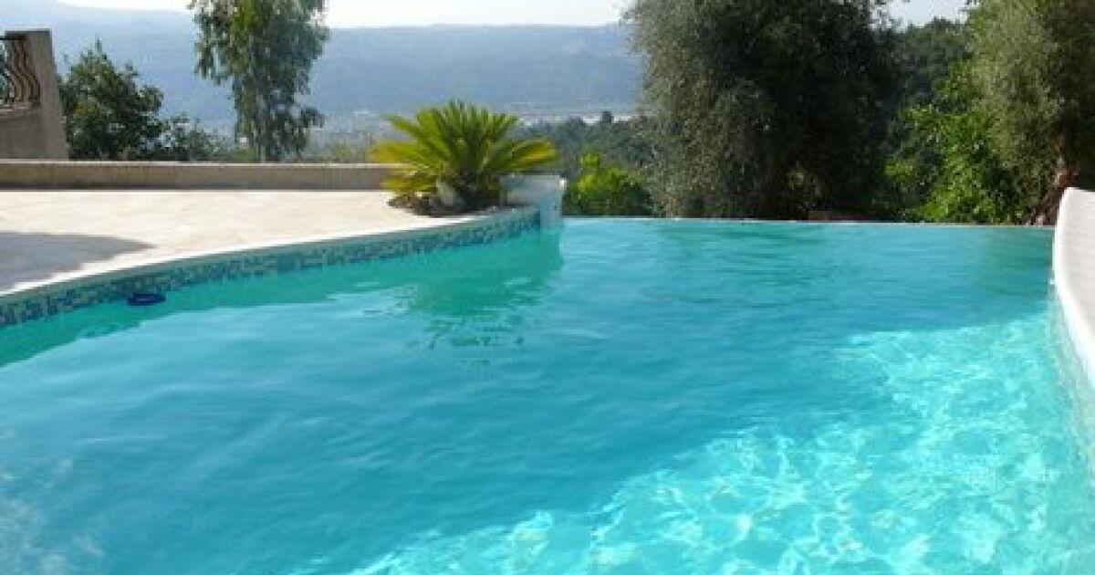 Piscine l ombre - Autour de la piscine photo villeurbanne ...