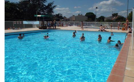 La piscine d'été à Launaguet