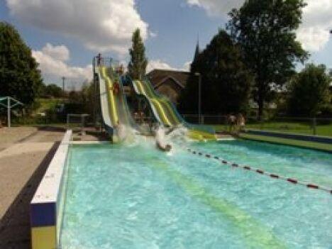 """Le grand bassin à Noidans le Ferroux<span class=""""normal italic petit"""">DR</span>"""