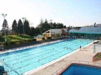 La piscine de plein air à Gravenchon