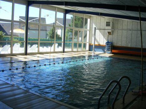 """Le bassin couvert de la piscine à Patay<span class=""""normal italic petit"""">DR</span>"""