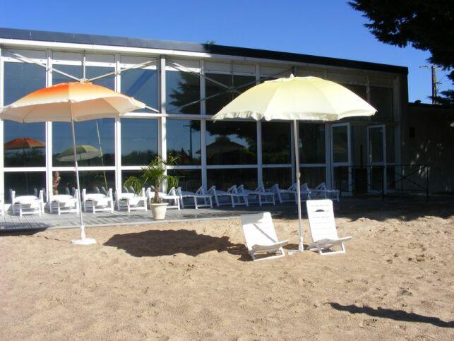 Piscine à Patay : en été, on se croirait à la plage !