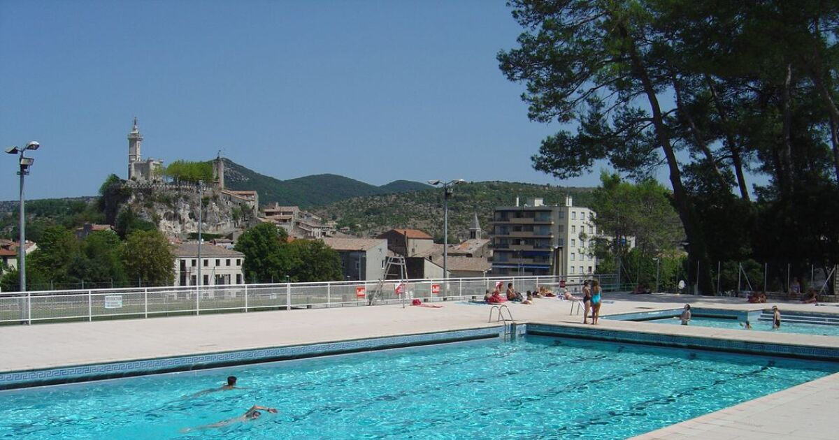 Avis et commentaires piscine saint ambroix for Piscine saintes