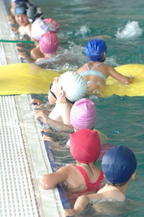 """La piscine Nakache accueille régulièrement des écoliers.<span class=""""normal italic petit"""">© Montpellier Agglomération</span>"""