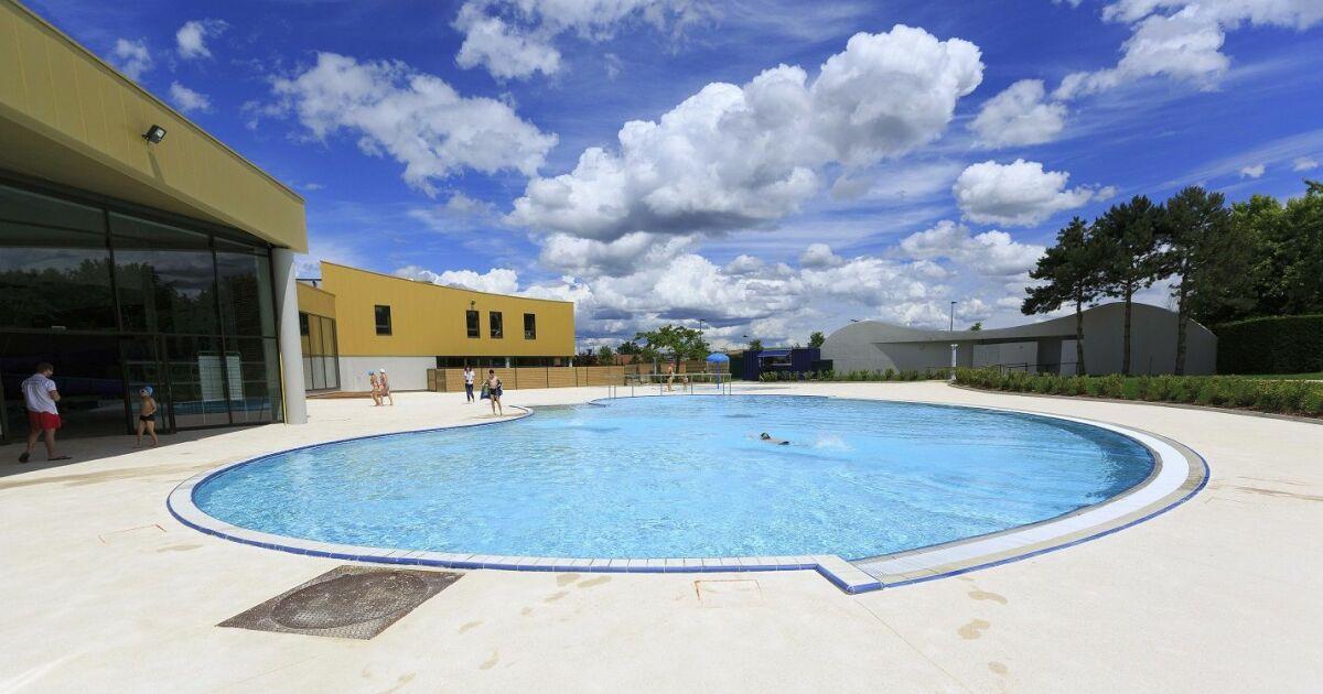 L 39 archipel piscine aquacentre du pays de l 39 arbresle for Centre du plateau piscine