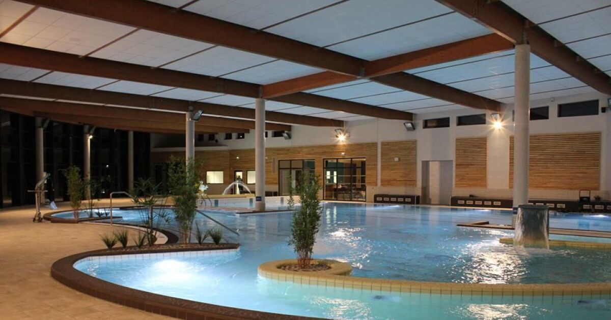 Piscine de chalon latest meeting de chalon mars de biens for Piscine design fontaines sur saone