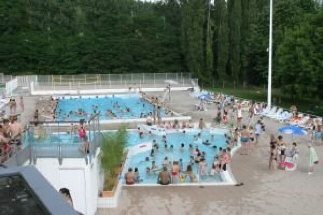 Piscine Aquagliss : les bassins extérieurs