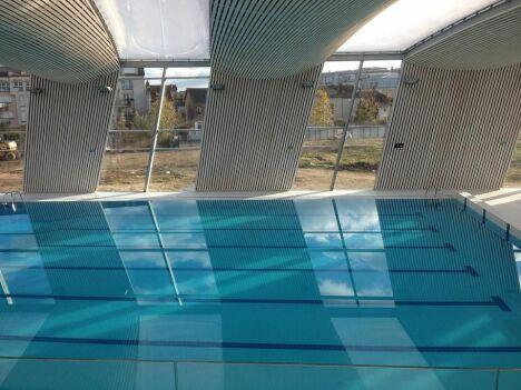 """Le grand bassin de la piscine Aquasport à Mantes-la-Ville<span class=""""normal italic petit"""">DR</span>"""