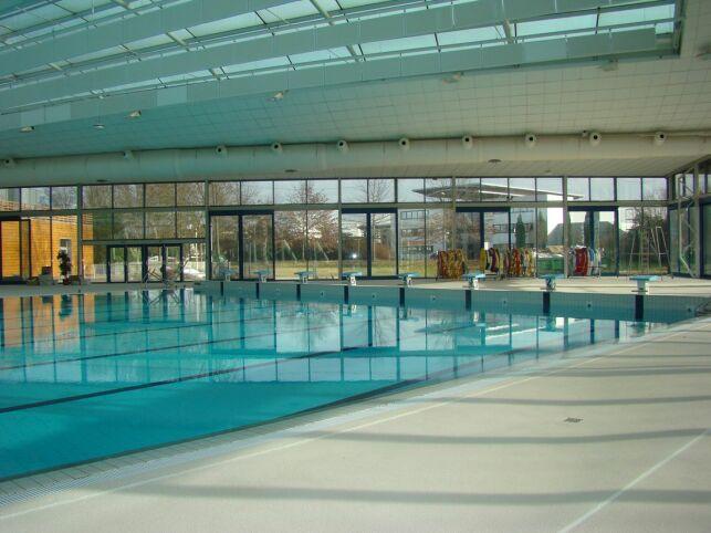 Piscine Aquasud à Agen : le grand bassin de natation.