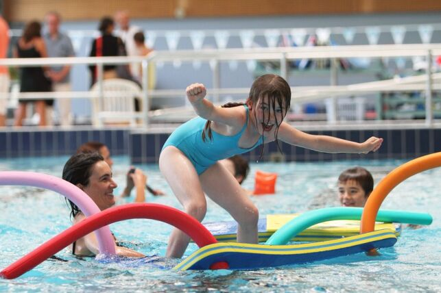 Aquasud à Pont-Labbé : une piscine pour toute la famille.
