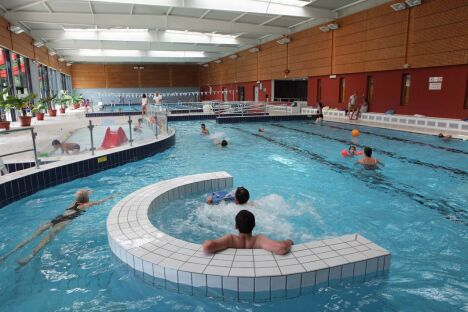Piscine aquasud pont labb horaires tarifs et photos for Piscine saintes horaires