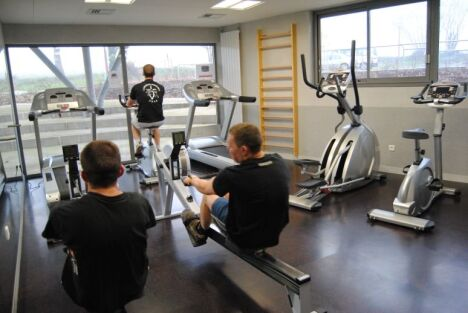 """Piscine Aquatis : la salle de cardio training<span class=""""normal italic"""">DR</span>"""