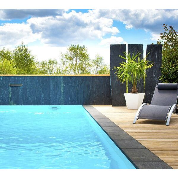 une piscine aquilus avec de l 39 ardoise. Black Bedroom Furniture Sets. Home Design Ideas