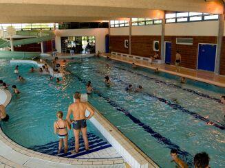 Les bassin intérieur de la piscine à Pont de Vaux