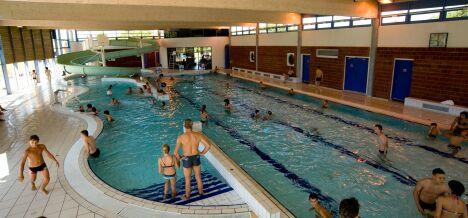"""Les bassin intérieur de la piscine à Pont de Vaux<span class=""""normal italic petit"""">DR</span>"""