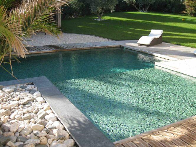 les plus belles piscines avec de la mosa que piscine en mosa que verte. Black Bedroom Furniture Sets. Home Design Ideas