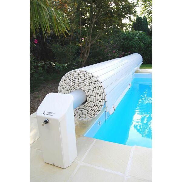 Piscine avec volet immerg for Chauffage piscine avec volet