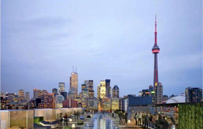 Piscine avec vue sur la ville à l'hôtel Thompson (Toronto, Etats-Unis) © Hôtel Thompson