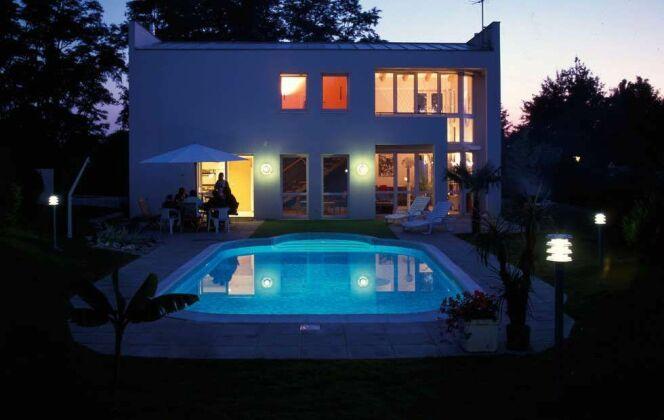 """Piscine """"Barbara"""" Waterair de nuit © Waterair"""