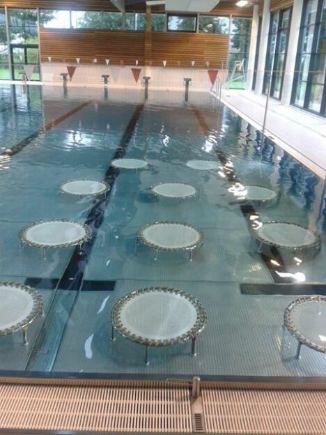 "Piscine Beau Soleil de Questembert : les trampolines<span class=""normal italic petit"">DR</span>"