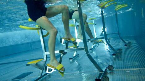 """Les vélos aquatiques de la piscine de Questembert<span class=""""normal italic petit"""">DR</span>"""