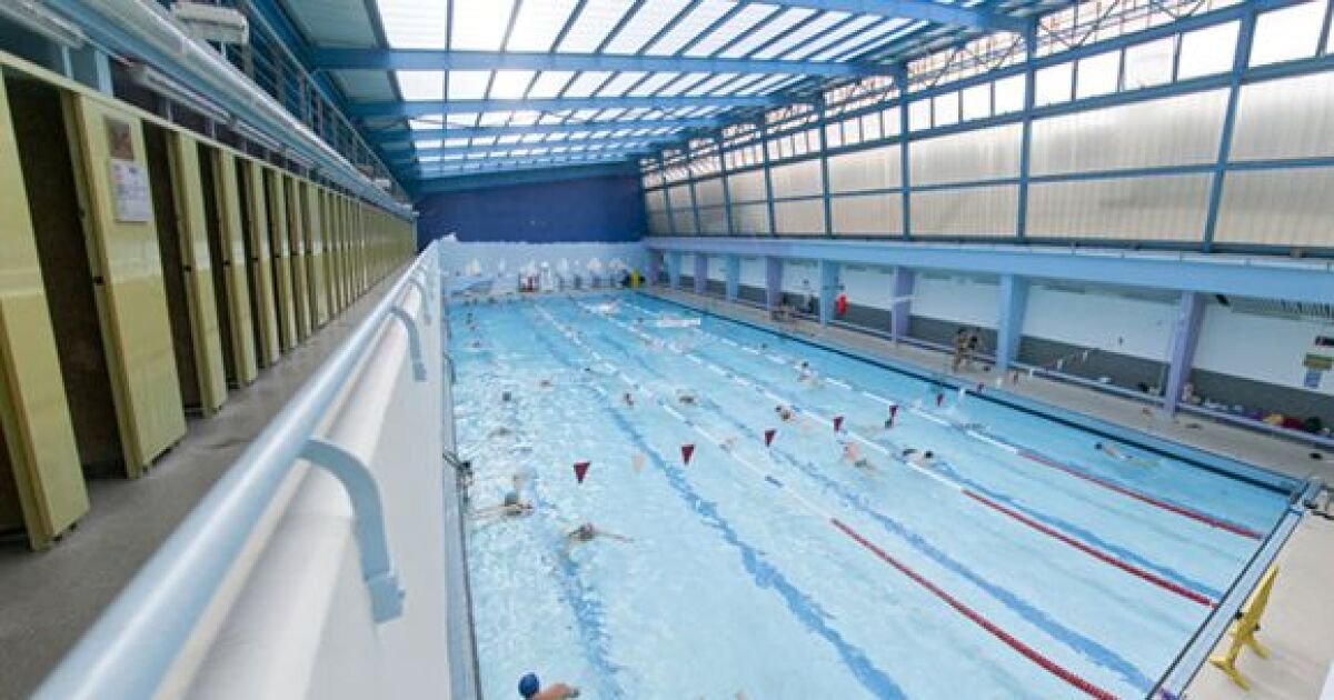 Piscine blomet paris 15e horaires tarifs et t l phone for Aquagym piscine paris