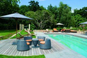 O'concept piscines vous présentes une piscines 8mx4m avec aménagement ( terrasse)