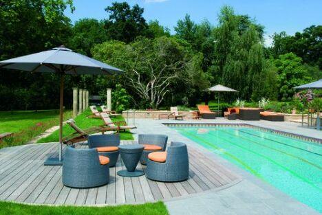 """O'concept piscines vous présentes une piscines 8mx4m avec aménagement ( terrasse)<span class=""""normal italic petit"""">DR</span>"""