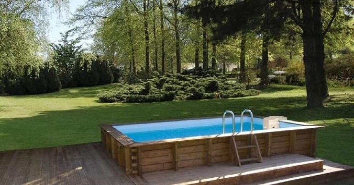 les plus belles photos de piscines bois hors sol semi enterr e ou enterr e piscine en bois. Black Bedroom Furniture Sets. Home Design Ideas
