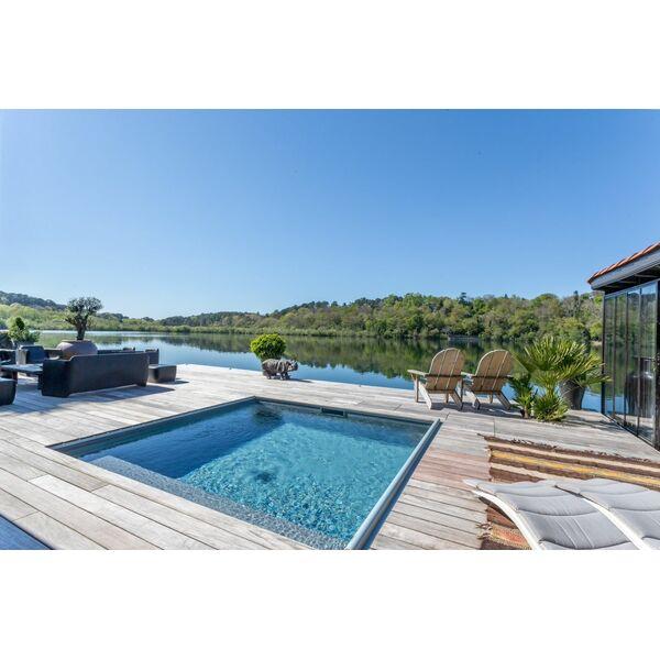 mini piscine carr e carr bleu piscine enterr e piscines. Black Bedroom Furniture Sets. Home Design Ideas