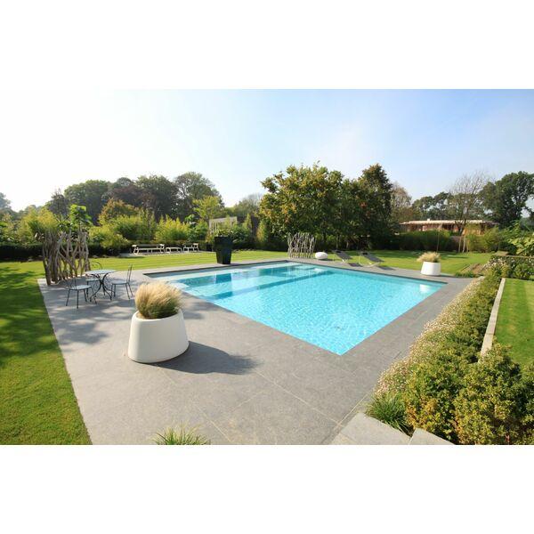 piscine carr e en b ton ma onn par carr bleu piscine. Black Bedroom Furniture Sets. Home Design Ideas