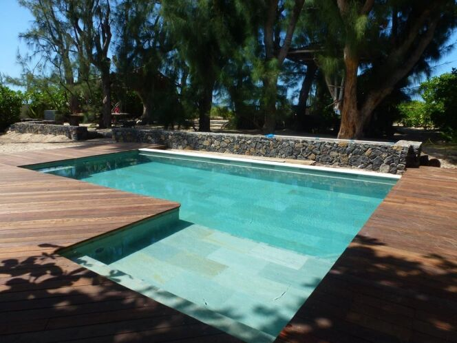 Le carrelage pour votre piscine for Colle pour mosaique piscine