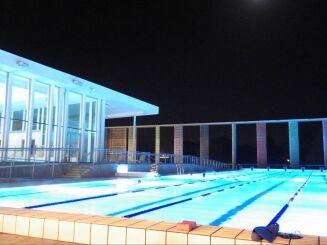 Piscine Caséo à Louviers : le bassin de 50m de nuit
