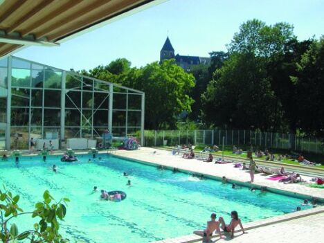 """Piscine à Chateau Gontier Bazouges<span class=""""normal italic petit"""">© Communauté des communes</span>"""