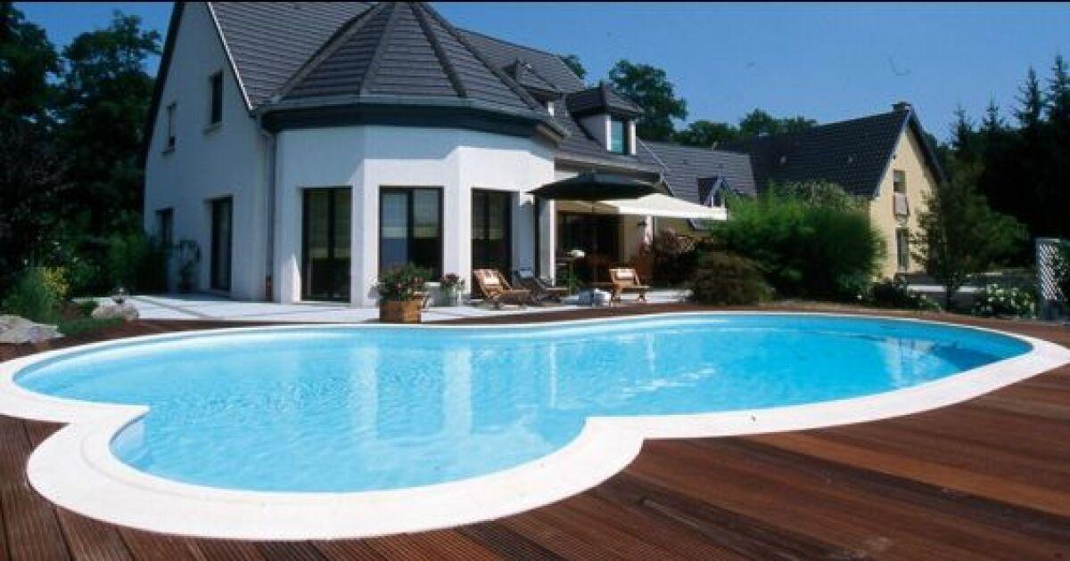 Piscines familiales en photos les plaisirs de l 39 eau pour for Taille standard piscine rectangulaire