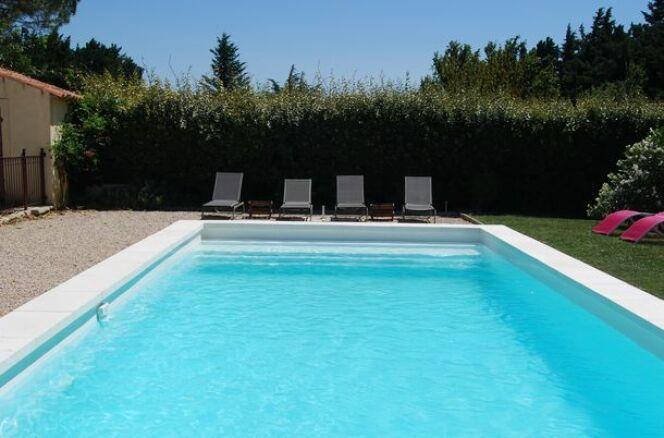 Ne pas avoir choisir entre une piscine et des vacances for Piscine en polyester