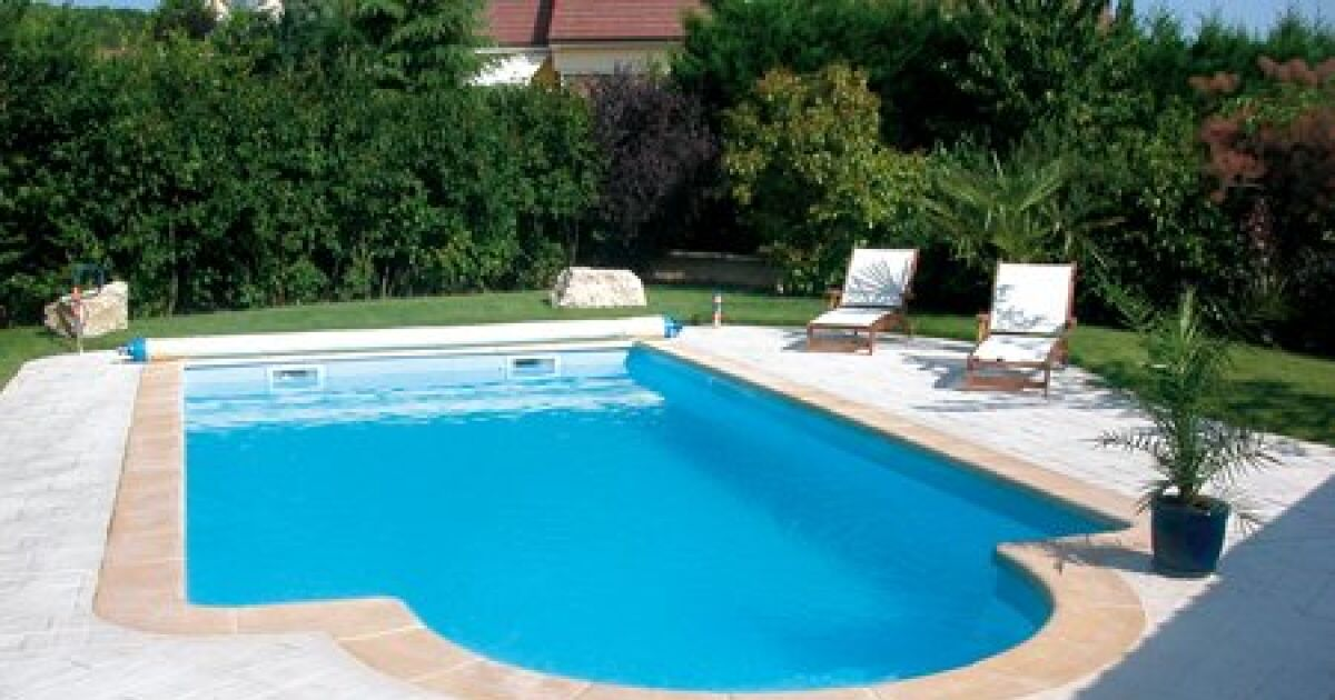 Les plus belles photos de piscines coque en polyester for Piscine prefabriquee polyester